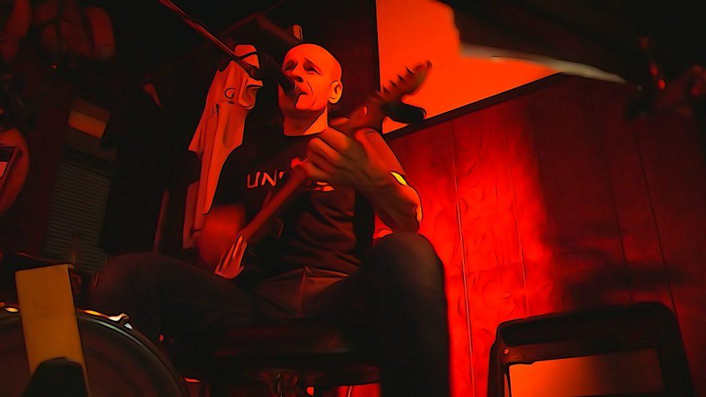 Lutz Drenkwitz auf der Bühne bearbeitet